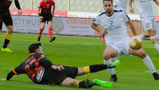 Lega Pro, il Catanzaro vince ancora: battuta la Cavese 2-1
