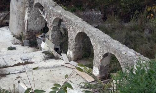 Lamezia, lo scandalo del parco della Pedichiusa: fondi a rischio e residenti inferociti
