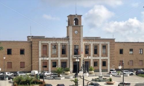 «Un termoscanner da 9.242 euro»: il Pd contro il sindaco di Vibo Valentia