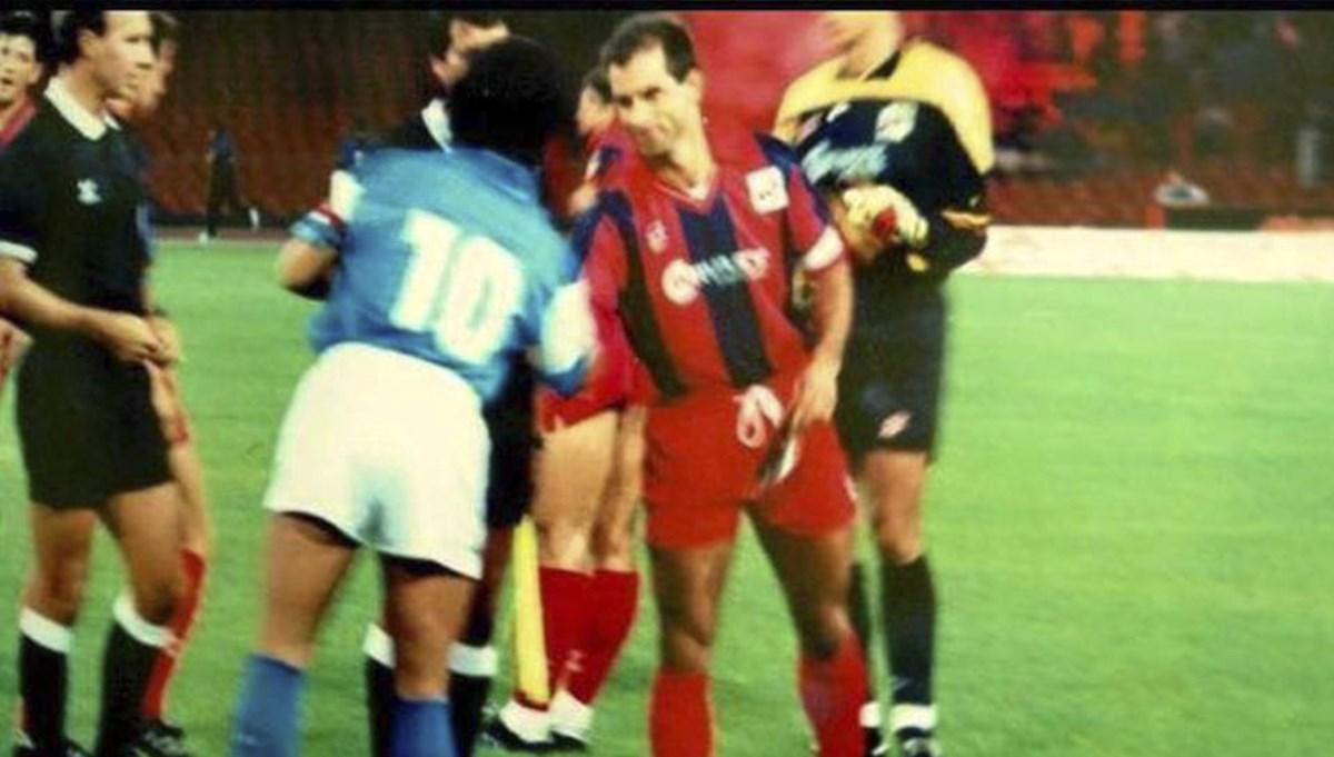 Maradona e Marulla prima della partita Napoli - Cosenza (Coppa Italia, 5 Settembre 90)