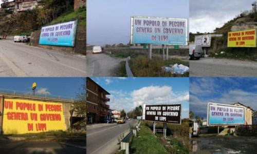 """""""Popolo di pecore genera un governo di lupi"""", misteriosa campagna pubblicitaria a Catanzaro"""
