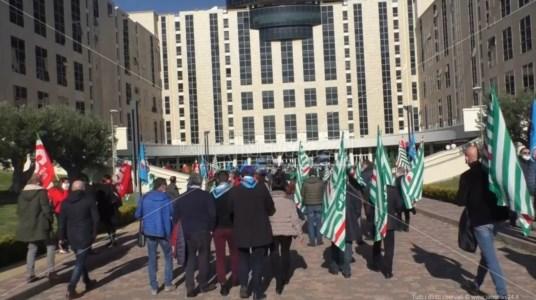 Sanità e decreto Calabria, protesta dei sindacati davanti alla Regione