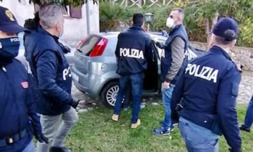 Terrorismo, materiale Isis e manuali per bombe: arrestato un italiano nel Cosentino