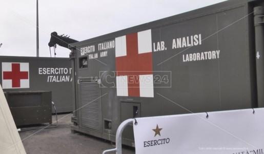 Il laboratorio analisi dell'esercito nel presidio militare di Vaglio Lise a Cosenza