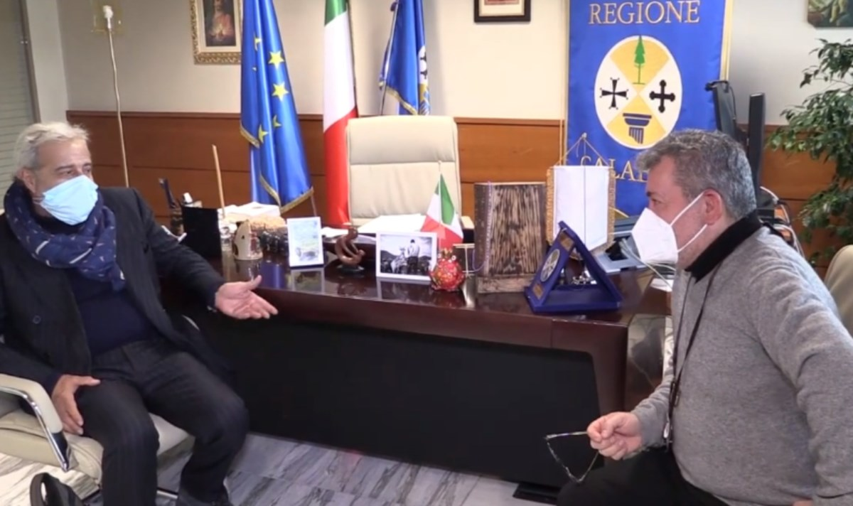 Il presidente facente funzioni della Calabria Nino Spirlì e il commissario della sanità Guido Longo