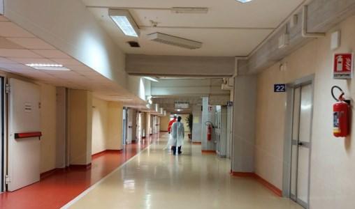 Lamezia, 35 nuovi positivi e reparto Covid saturo: a Gizzeria scuole chiuse