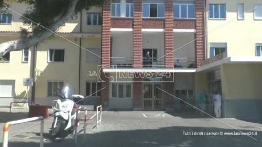 L'ingresso della ex clinica Tricarico