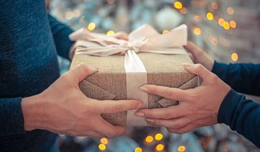 Scambio di doni, foto da pixabay