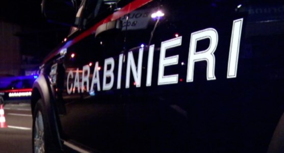 Possesso di armi, i carabinieri arrestano 21enne nel Crotonese