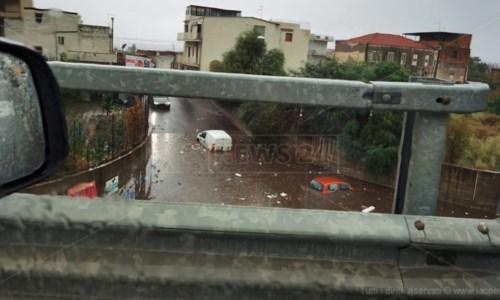 Un sottopasso allagato a Reggio Calabria