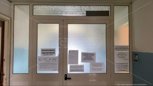 Ospedale di Locri, macchine guaste e il reparto di Gastroenterologia chiude