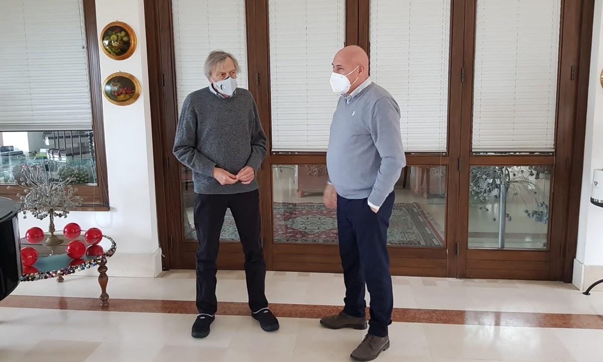 L'incontro tra Gino Strada e Vincenzo Voce