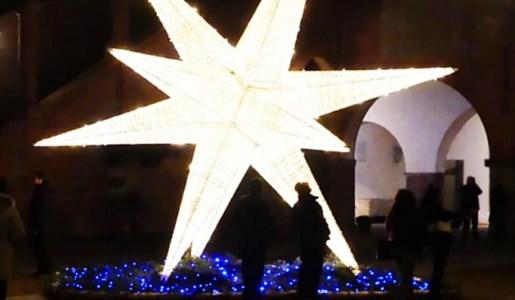 Sellia, donate luci natalizie per addobbare il borgo. Il sindaco: «Un piccolo miracolo»