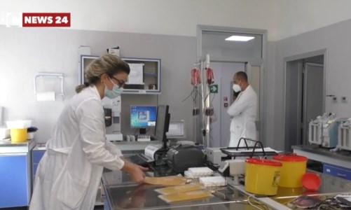 Plasma iperimmune, il primario del Gom di Reggio: «Ecco perché è importante donare»