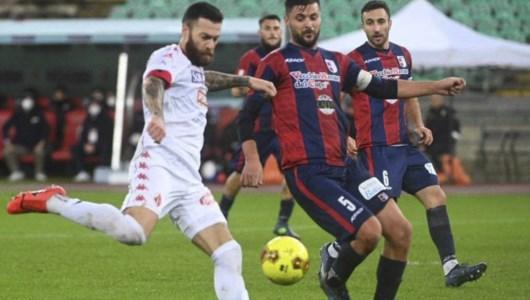 Lega Pro, Marson para un rigore e la Vibonese strappa un punto: a Bari finisce 0-0