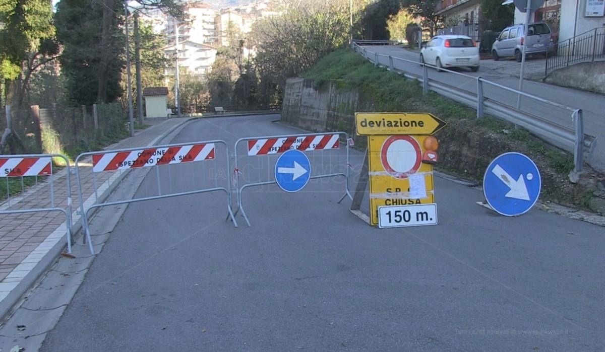 Strada interrotta, immagine di repertorio