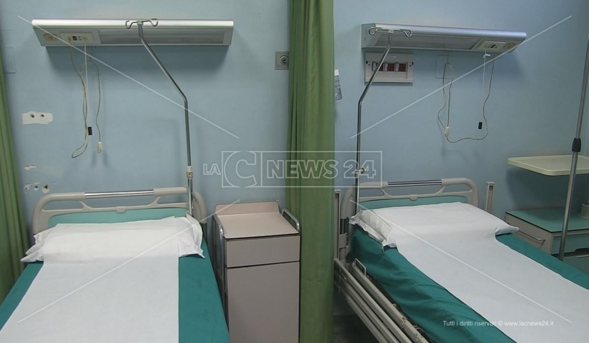 Gli interni di uno dei reparti ospedalieri della provincia di Cosenza