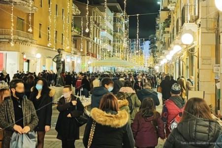 Italia zona arancione per tre giorni: ecco come cambiano le regole
