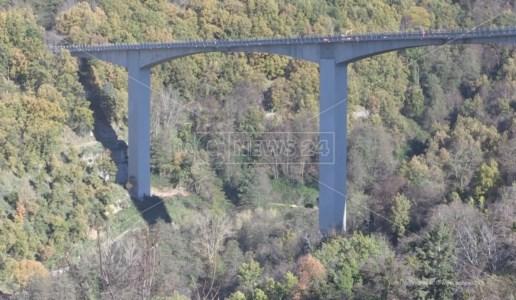 Il viadotto del Cannavino lungo la statale per la Sila