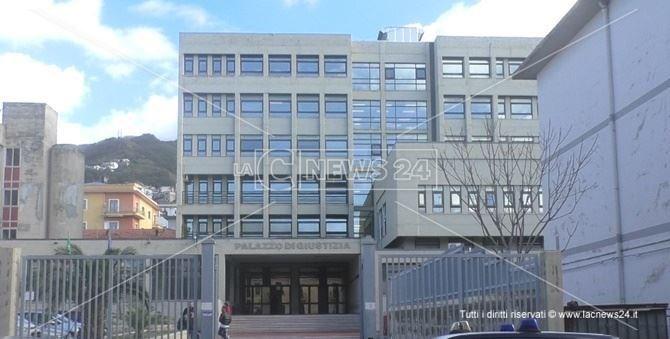 Il Palazzo di Giusitizia a Paola