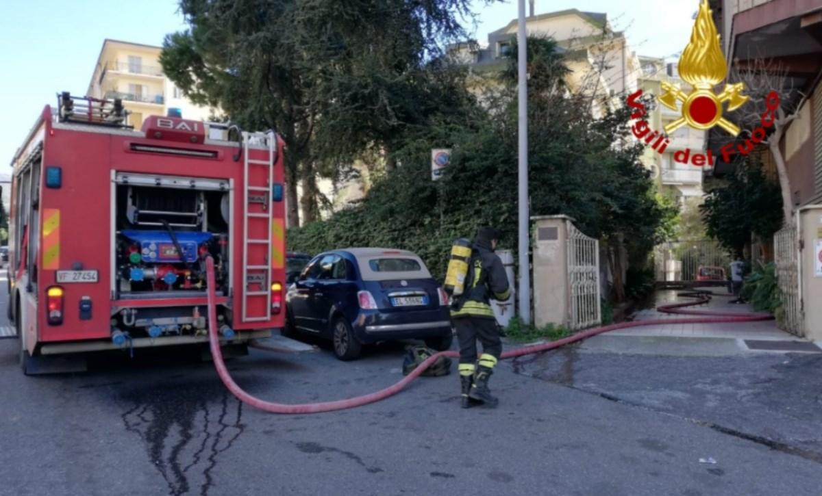 Incendio in una abitazione a Lamezia