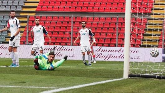 Serie B, il Cosenza domina ma la Cremonese vince: finisce 1-0