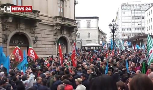 Una passata manifestazione dei lavoratori Lsu-Lpu