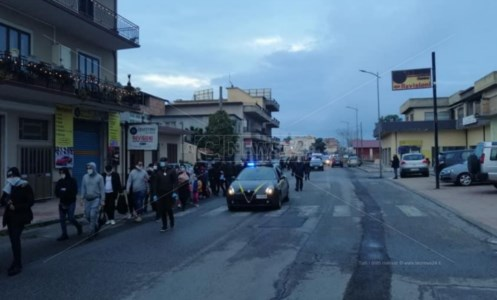 Migranti, in cento sbarcano a Locri: presenti 32 minori