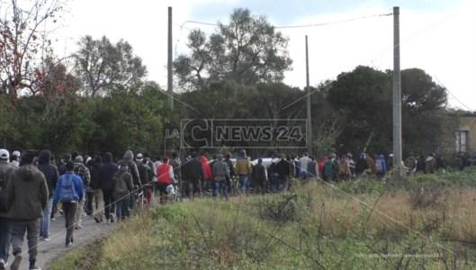 Il corteo dei migranti