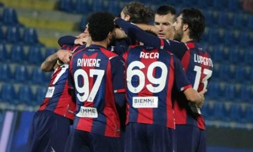 Serie A, il Crotone batte 2-1 il Parma nel segno di Junior Messias