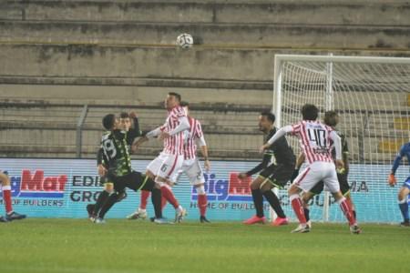 Reggina, parte la rincorsa play off. Mister Baroni: «Col Vicenza vietato sbagliare»