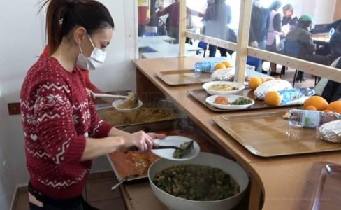 Lamezia, nei locali della Caritas il pranzo della Vigilia per i più fragili