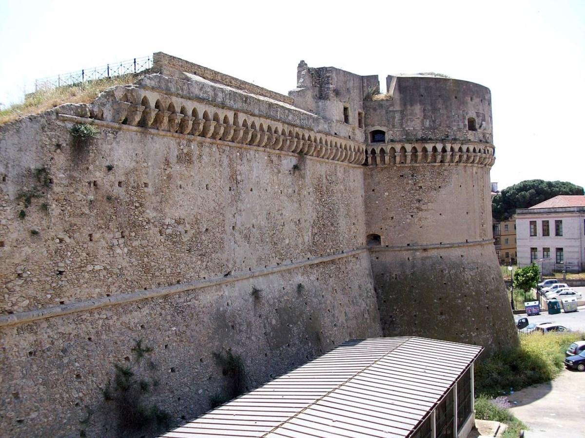 Il castello di Carlo V a Crotone