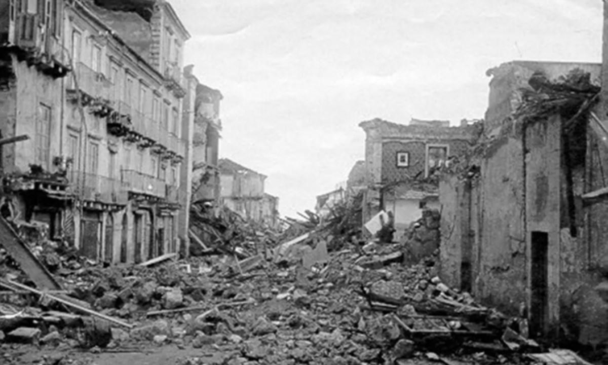 Immagine di Reggio Calabria dopo il terremoto del 1908
