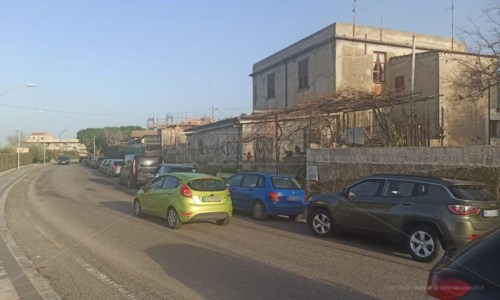 Covid Tropea, tamponi ai bimbi di una scuola materna: fila chilometrica all'ospedale
