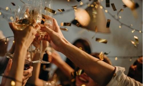 Festeggiano diciottesimo in un bar del centro: sanzioni e locale chiuso a Palmi