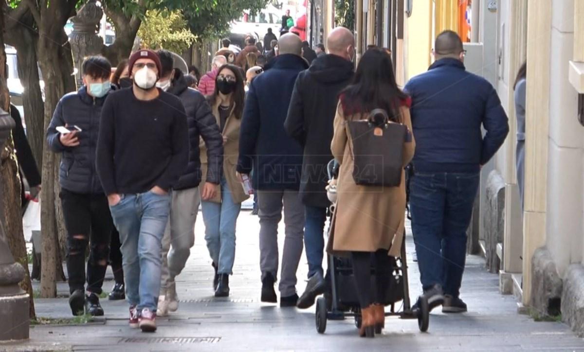 Calabria zona arancione ma i contagi continuano a crescere e gli ospedali sono al collasso