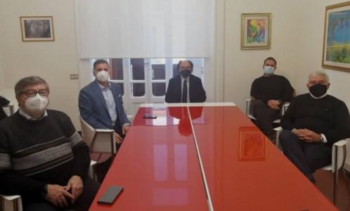 Lamezia, fronte progressista incontra Priolo: «Faremo da pungolo fino al rinnovo del voto»