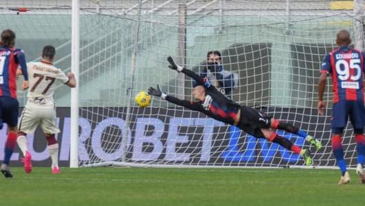 il calcio di rigore trasformato da Mkhitaryan- foto Andrea Rosito