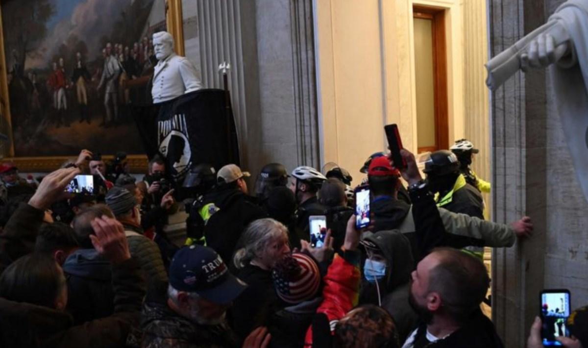 Assalto al Congresso, foto ansa