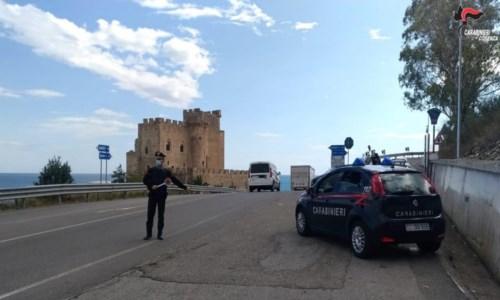 Sulla 106 col camion pieno di rame e limoni rubati: arrestati due pugliesi