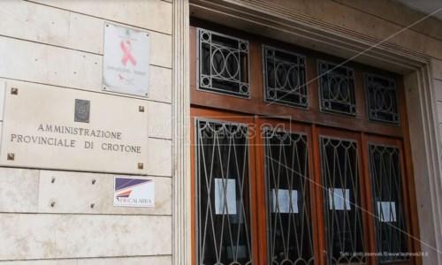 Rinvio elezioni provinciali, a Crotone Fratelli d'Italia insorge: «Il giochetto è riuscito»