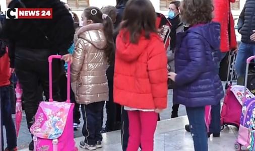 Covid, anche a Vibo Valentia scuole chiuse: ordinanza del sindaco
