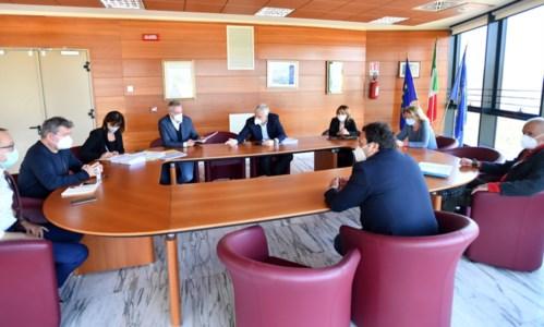 Sant'Anna hospital, Spirlì incontra Longo: «Calabria non può rinunciare a eccellenza»