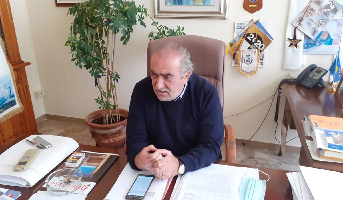 Il sindaco Angelo Catapano