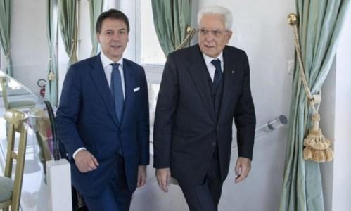 Conte e Mattarella - foto archivio Ansa