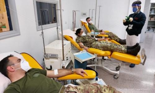Cosenza, i militari in servizio all'ospedale da campo donano il sangue