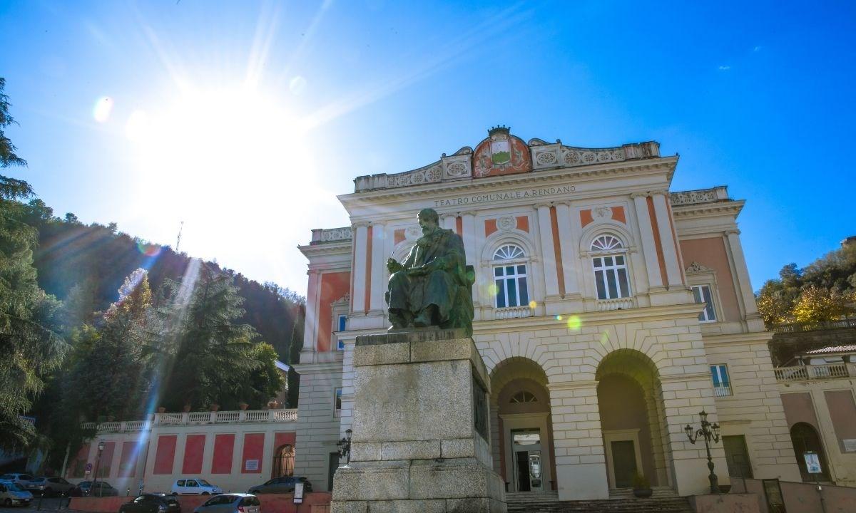 Il teatro Rendano di Cosenza