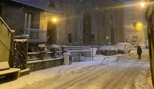 La neve nel centro di Mormanno