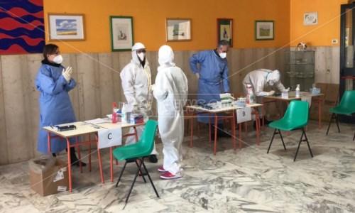I tamponi effettuati nella scuola media di Reggio Calabria